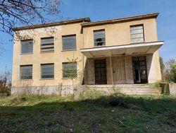 Complesso immobiliare da ristrutturare con area di pertinenza annessa - Lotto 12774 (Asta 12774)