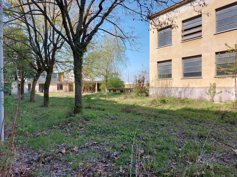 #12774 Complesso immobiliare da ristrutturare con area di pertinenza annessa in vendita - foto 4
