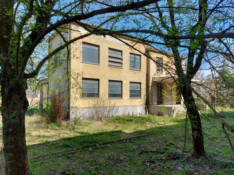 #12774 Complesso immobiliare da ristrutturare con area di pertinenza annessa in vendita - foto 10
