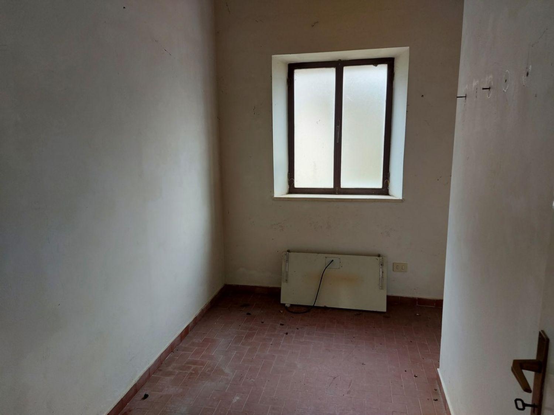 #12779 Magazzino con area pertinenziale in vendita - foto 6