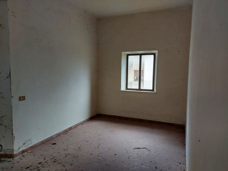 #12779 Magazzino con area pertinenziale in vendita - foto 8