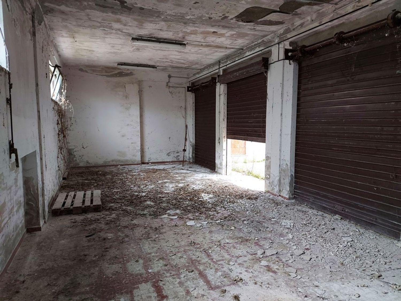 #12779 Magazzino con area pertinenziale in vendita - foto 14