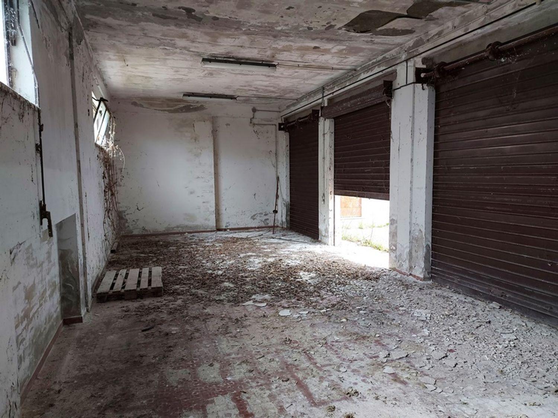 #12779 Magazzino con area pertinenziale in vendita - foto 15