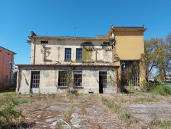 Industrial building with house and large courtyard - Lot 12783 (Auction 12783)