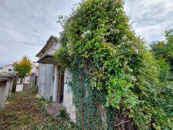 Complesso immobiliare da ristrutturare con area di pertinenza annessa - Lotto 12790 (Asta 12790)