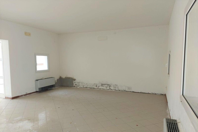#12794 Negozio piano terra con deposito e box auto in vendita - foto 5