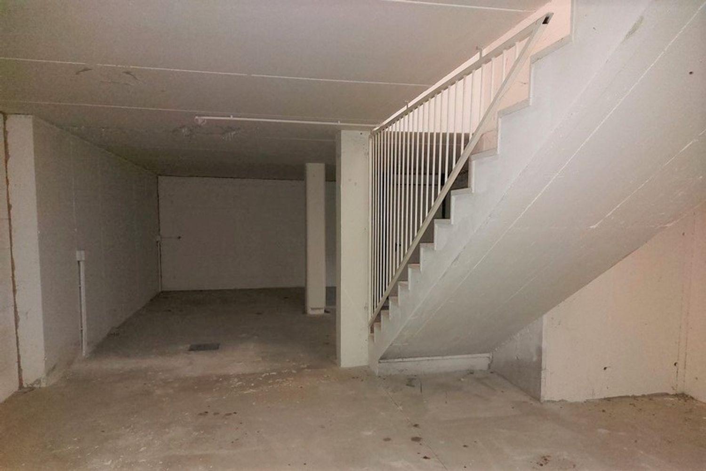 #12794 Negozio piano terra con deposito e box auto in vendita - foto 16