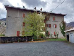 Fabbricato residenziale composto da sette appartamenti - Lotto 12803 (Asta 12803)