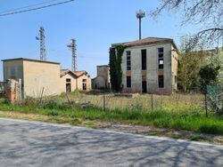 Complesso immobiliare da ristrutturare con area di pertinenza annessa - Lotto 12808 (Asta 12808)