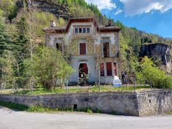 Villa con corte - Lotto 12812 (Asta 12812)