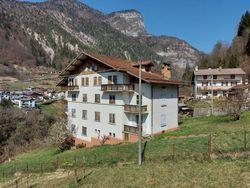 Palazzina residenziale con terreno - Lotto 12813 (Asta 12813)