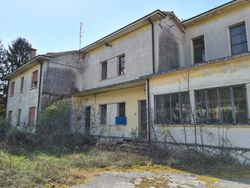 Semi detached house to renovate with adjoining area of relevance - Lot 12815 (Auction 12815)