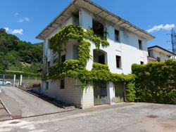 Two four room apartments with garages and cellars - Lot 12819 (Auction 12819)