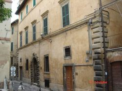Porzione di fabbricato in centro storico con garage - Lotto 12830 (Asta 12830)