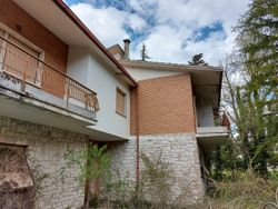 Apartment house with   apartments - Lot 12843 (Auction 12843)