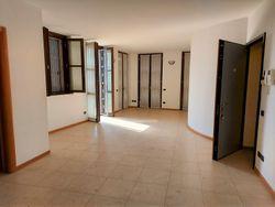 Appartamento con cantina e garage