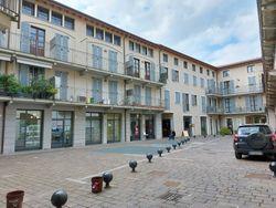 Appartamenti, ristorante, cantine e garage in palazzo storico