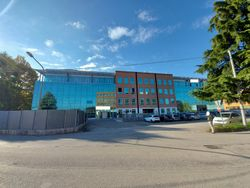 Ristorante, 4 uffici e 53 posti auto in ampio complesso - Lotto 12880 (Asta 12880)