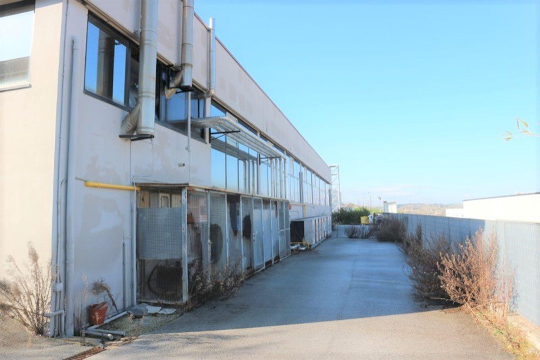 #12917 Laboratorio al piano seminterrato con uffici in vendita - foto 2
