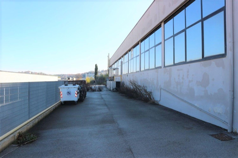 #12917 Laboratorio al piano seminterrato con uffici in vendita - foto 3