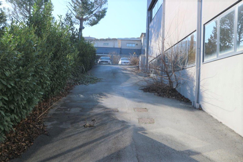 #12917 Laboratorio al piano seminterrato con uffici in vendita - foto 9