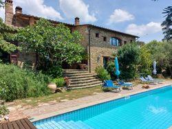 Casale ristrutturato con dependance e piscina - Lotto 12919 (Asta 12919)