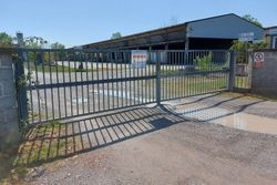 Craft complex with warehouses and land - Lot 12922 (Auction 12922)