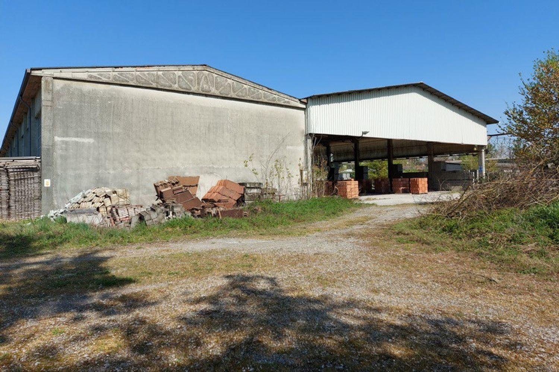 #12922 Complesso artigianale con magazzini e terreno in vendita - foto 5