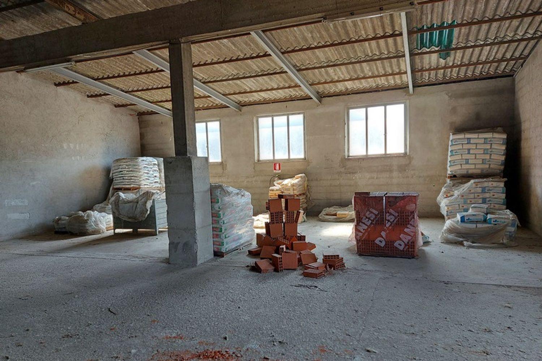 #12922 Complesso artigianale con magazzini e terreno in vendita - foto 9
