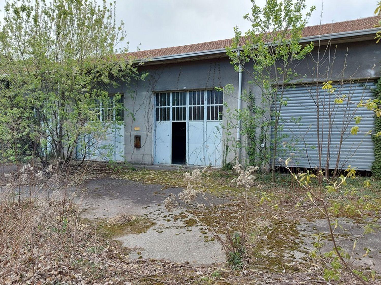 #12927 Fabbricato commerciale con abitazioni e ampia corte in vendita - foto 8