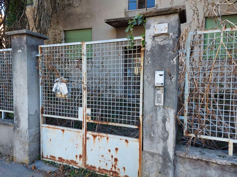 #12927 Fabbricato commerciale con abitazioni e ampia corte in vendita - foto 17