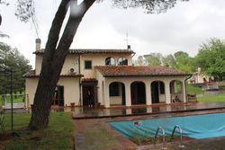 Villa con piscina e dependance - Lotto 12989 (Asta 12989)