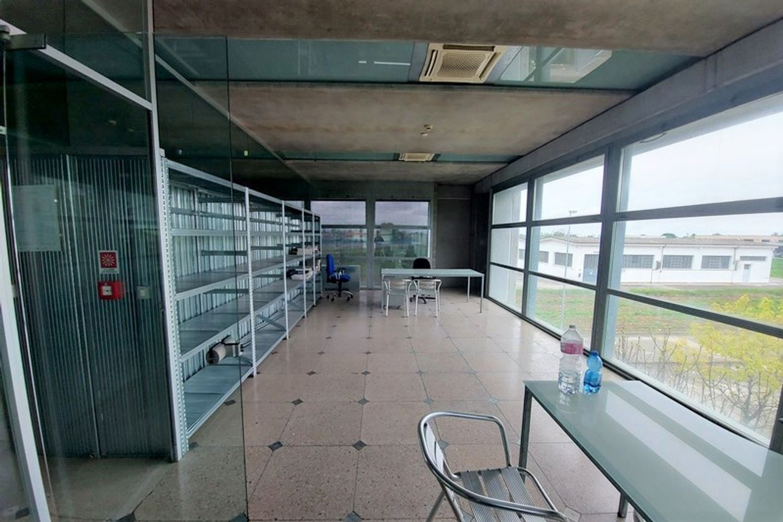 #12995 Capannone artigianale con cortile privato in vendita - foto 11