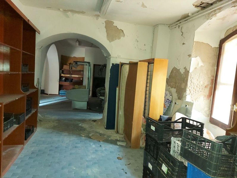 #13035 Locale emporio e depositi su isola turistica in vendita - foto 3