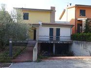 Immagine n0 - Casa a schiera grezza, garage e posto auto - Asta 1307