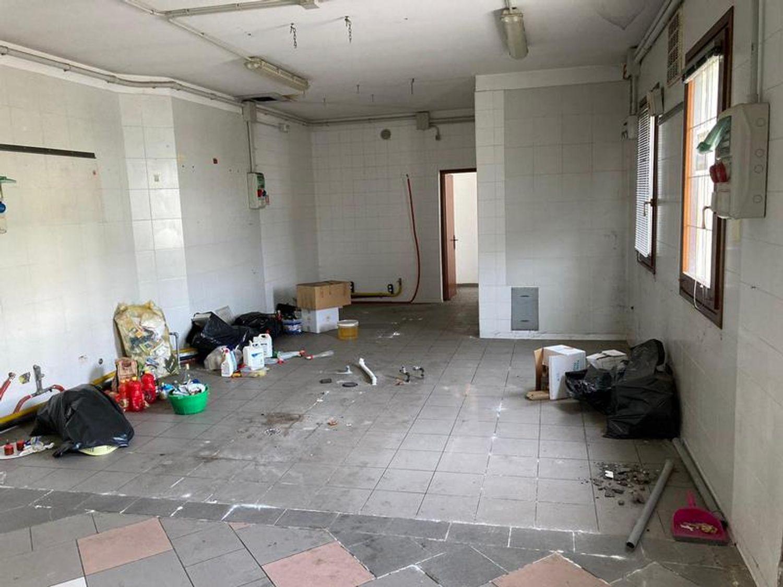 #13178 Locale commerciale con due appartamenti e pertinenze in vendita - foto 4