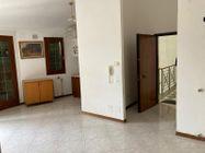 Immagine n8 - Locale commerciale con due appartamenti e pertinenze - Asta 13178
