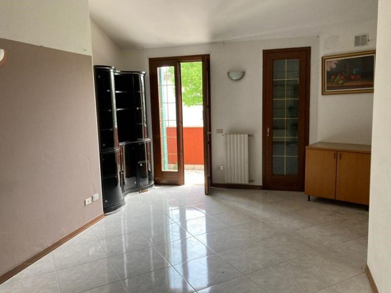 #13178 Locale commerciale con due appartamenti e pertinenze in vendita - foto 10