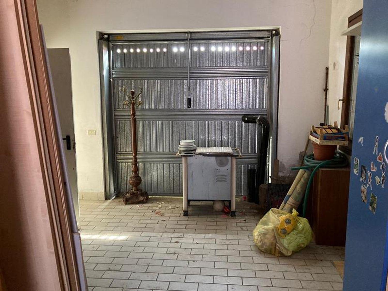 #13178 Locale commerciale con due appartamenti e pertinenze in vendita - foto 11