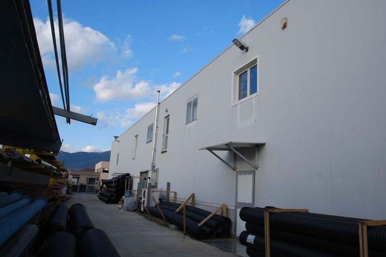 #13183 Capannone con uffici, impianto fotovoltaico e beni mobili in vendita - foto 2