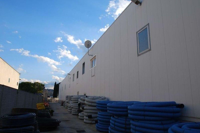 #13183 Capannone con uffici, impianto fotovoltaico e beni mobili in vendita - foto 4