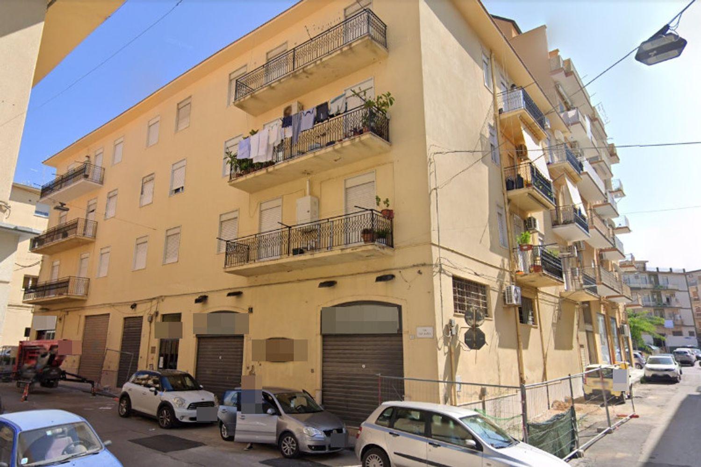 #13203 Magazzino in zona centrale in vendita - foto 2
