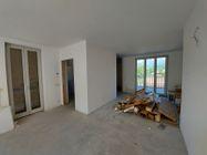 Immagine n2 - Appartamento al grezzo avanzato con pertinenze - Asta 13223