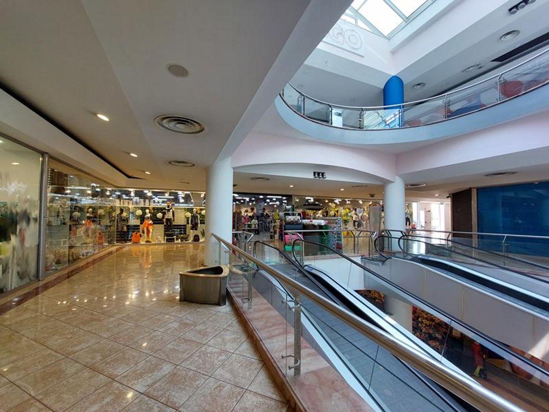 #13236 Negozio con servizi in centro commerciale in vendita - foto 2