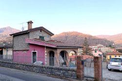 Fabbricato indipendente con corte pertinenziale - Lotto 13280 (Asta 13280)