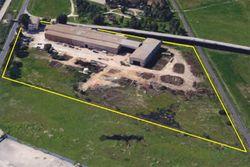 Complesso industriale con terreno e carri ponte - Lotto 13281 (Asta 13281)