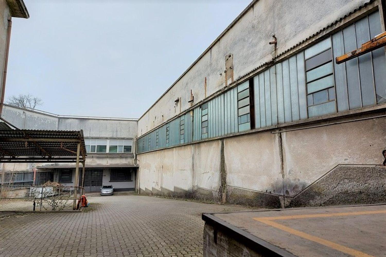 #13306 Porzione di capannone con portineria e terreni in vendita - foto 2