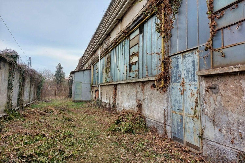 #13306 Porzione di capannone con portineria e terreni in vendita - foto 11