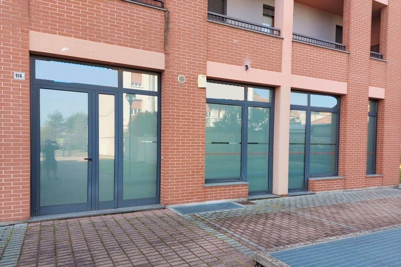 #13307 Negozio piano terra in condominio residenziale in vendita - foto 1