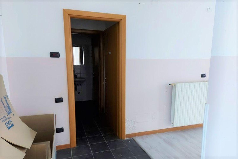 #13308 Laboratorio piano terra in condominio residenziale in vendita - foto 5